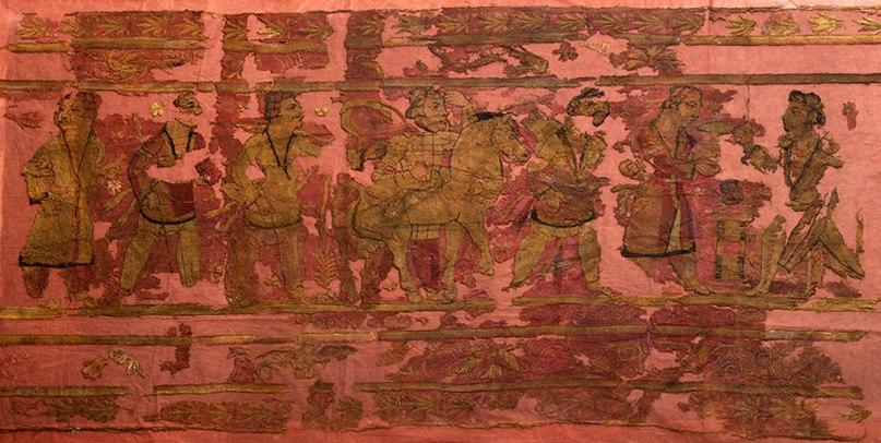 Фрагмент вышитой шерстяной завесы из 31-го кургана/Фото: Михаил Власенко