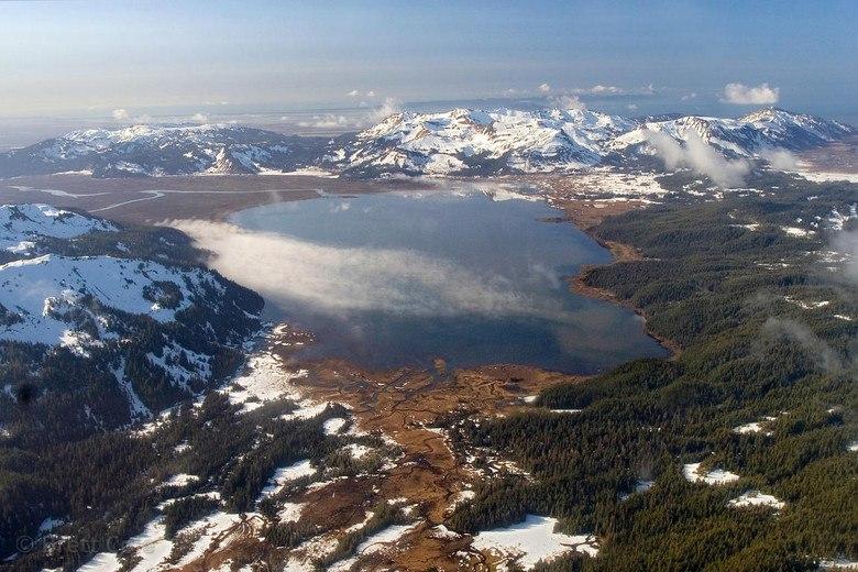 озеро на Аляске