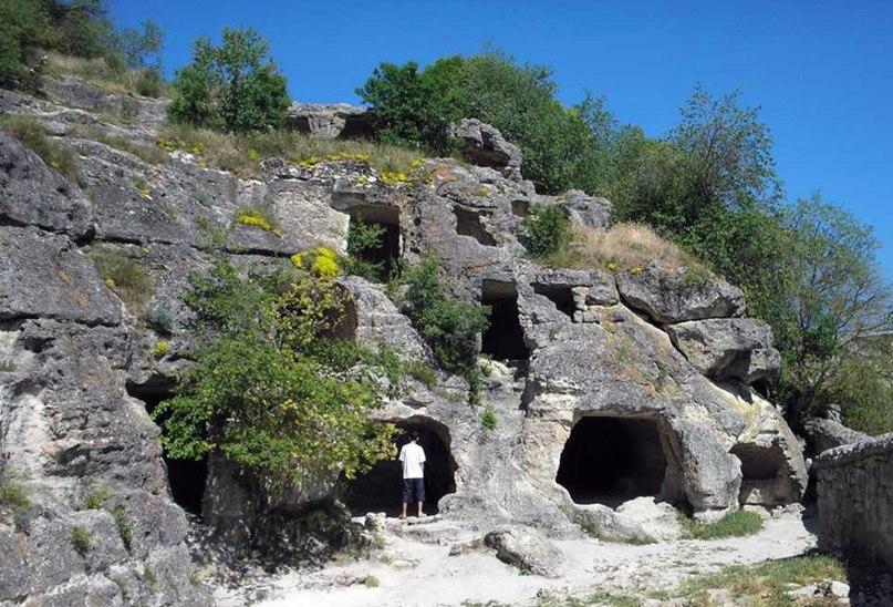 Подземелья под Кырк-ор является остатком более древних сооружений, использующих энергию земли в сакральных целях