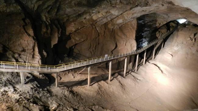 Анакопийская (Новоафонская) пещера