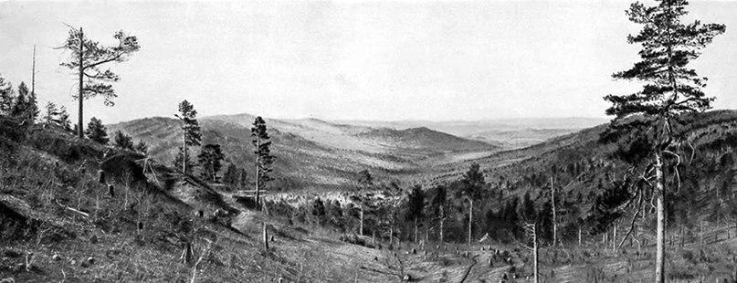 Панорама долины Суцзуктэ в горах Ноин-Ула/Фото: С.А. Кондратьев
