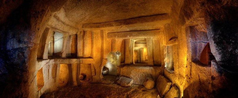 Хал-Сафлиени Гипогей –пример коллективной, первобытной скальной гробницы