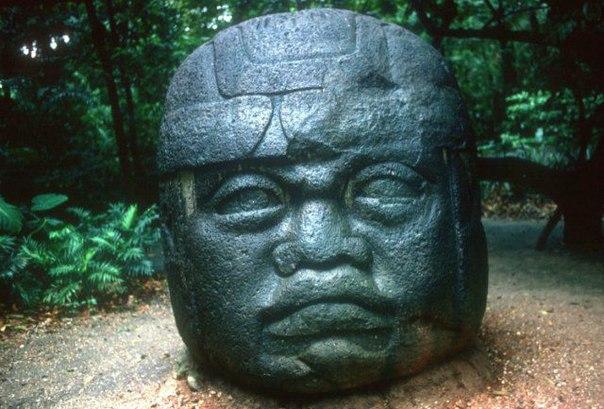 статуя Ольмеков