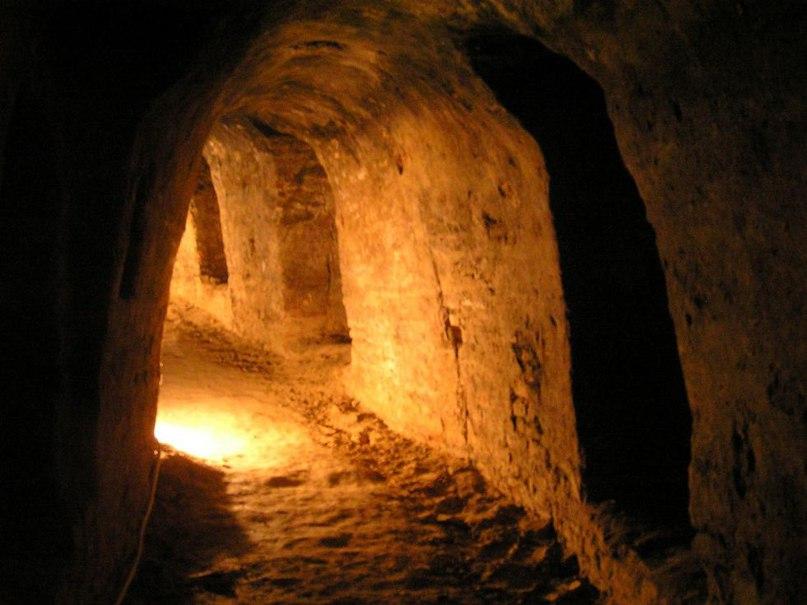 подземлей