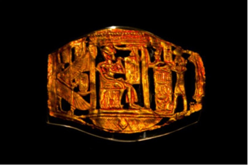 Чаще всего техники позолоты и серебрения использовались для украшения, хотя иногда они применялись для того, чтобы обманным путем придать видимость золота или серебра менее ценным предметам