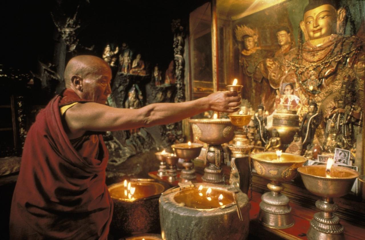 адепты тибетского буддизма