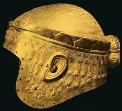 золотой шлем