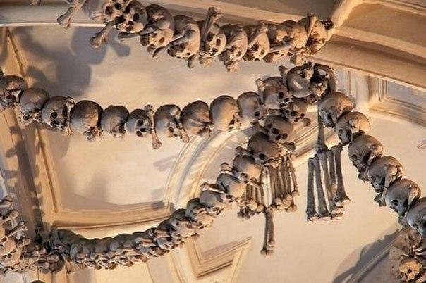 храм из костей