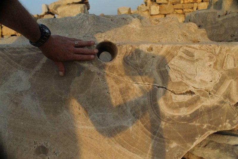 следы обработки гранита в Абусире