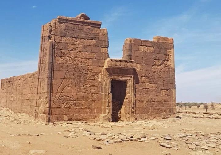 Древние пирамиды в Судане