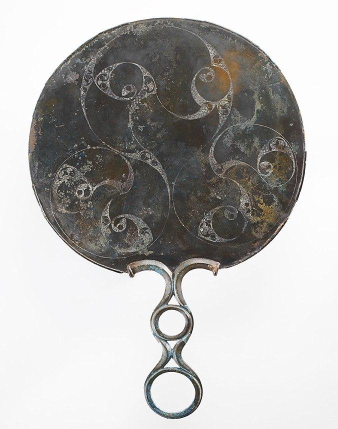 Древнее кельтское зеркало