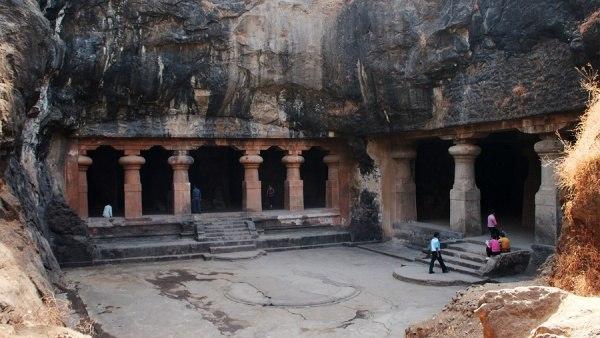 Пещерные храмы на острове Элефанта