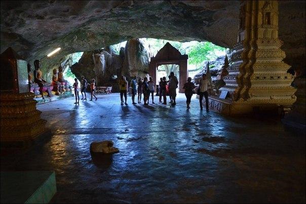 Пещерный храм Ват Суван Куха