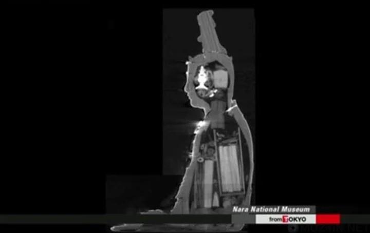 Внутри буддийской статуи были найдены свитки
