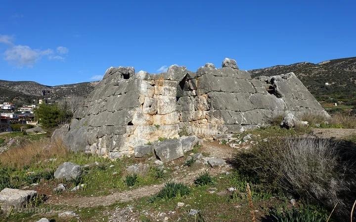 Древнегреческая пирамида в Эллинико