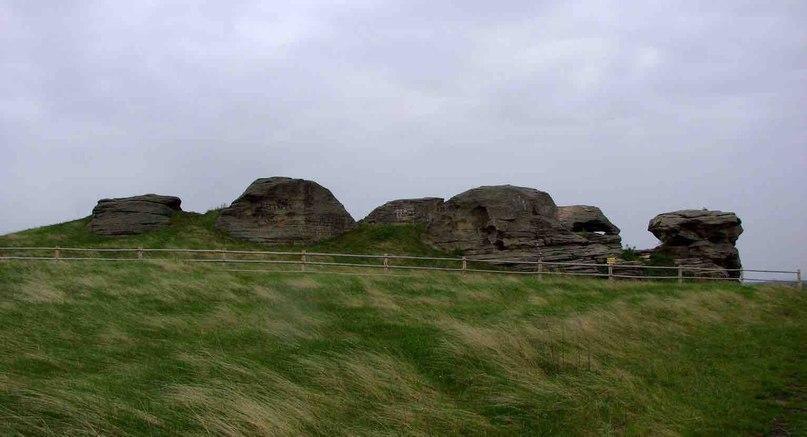 Каменные палатки