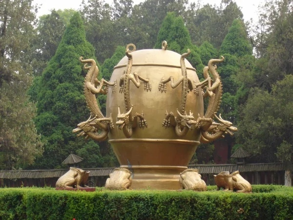 Древний китайский сейсмоскоп