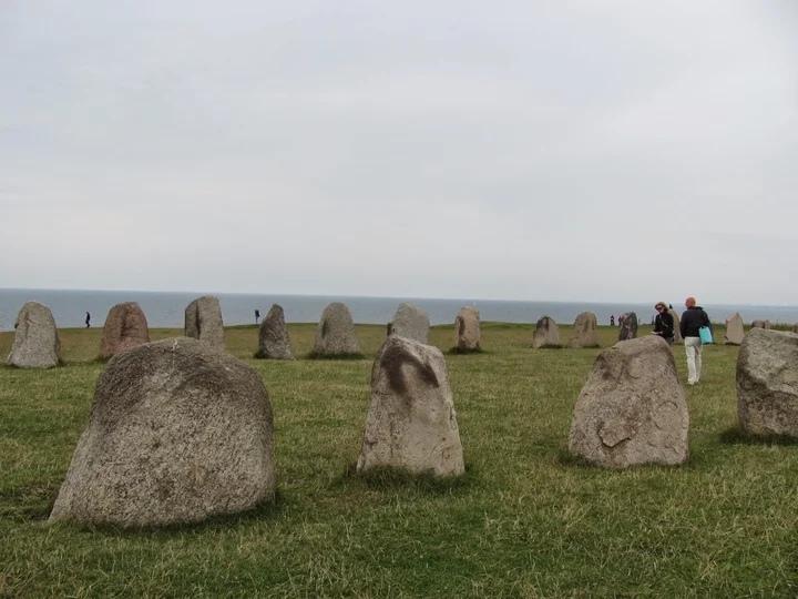 Каменные корабли