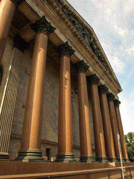 Колонны Исаакиевского собора