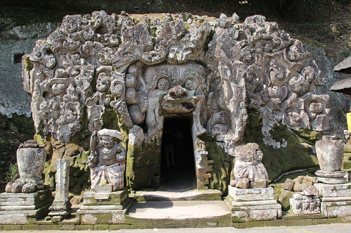 Слоновья пещера Гоа Гаджа