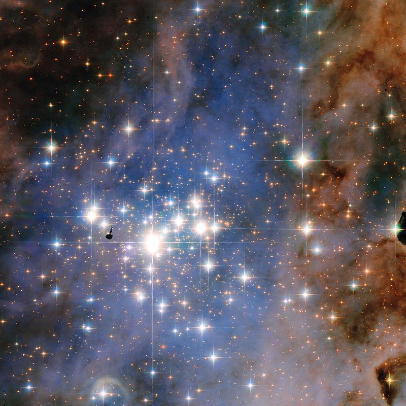 Скопление Trumpler 14, содержащее более 2 тысяч звезд и подобное тому, в котором родилось Солнце.