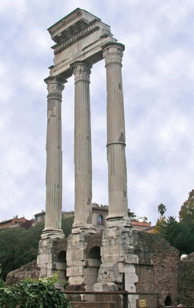 Храм Диоскуров