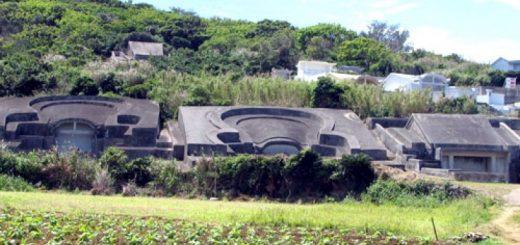 Древние гробницы