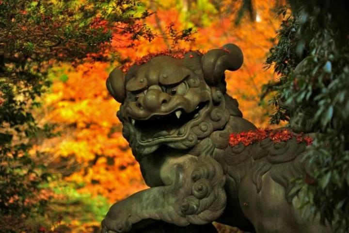 Храм Хаконэ и озеро Аси-ноко