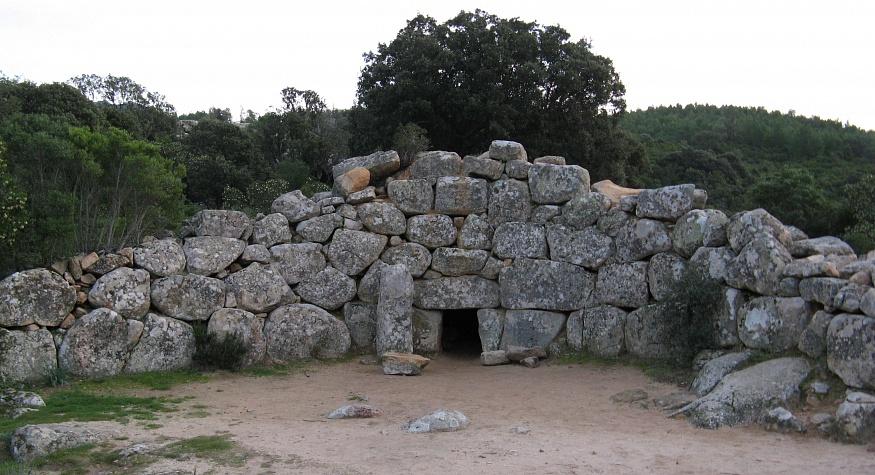 Гробницы гигантов