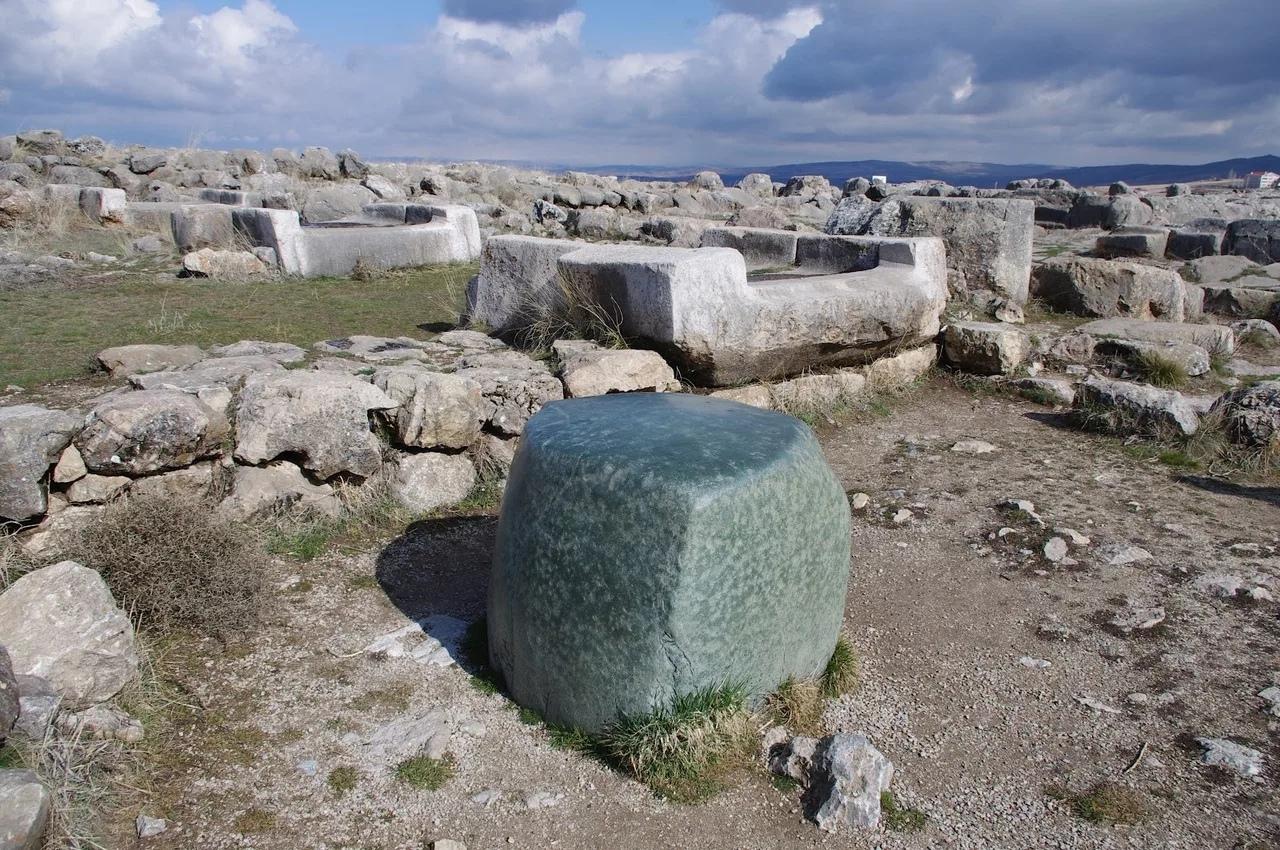 Античный «камень-загадка»