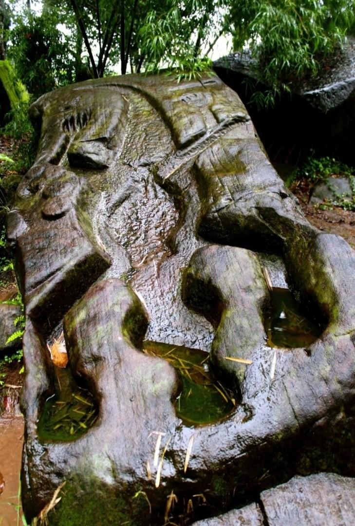Крокодилий камень
