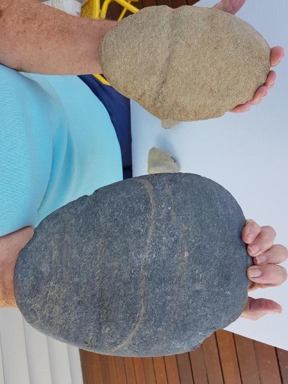 каменный топор
