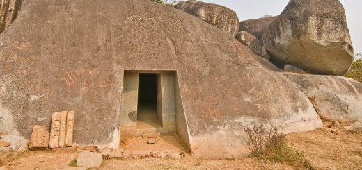 Рукотворные пещеры Барабар