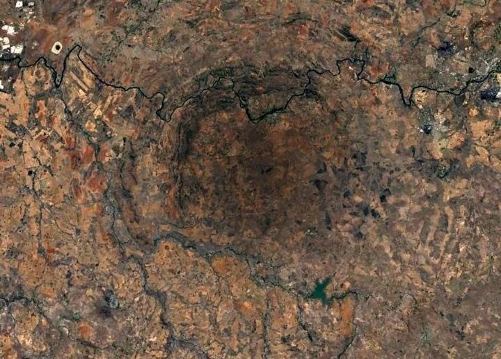 самый большой на Земле ударный кратер - Вредефорт