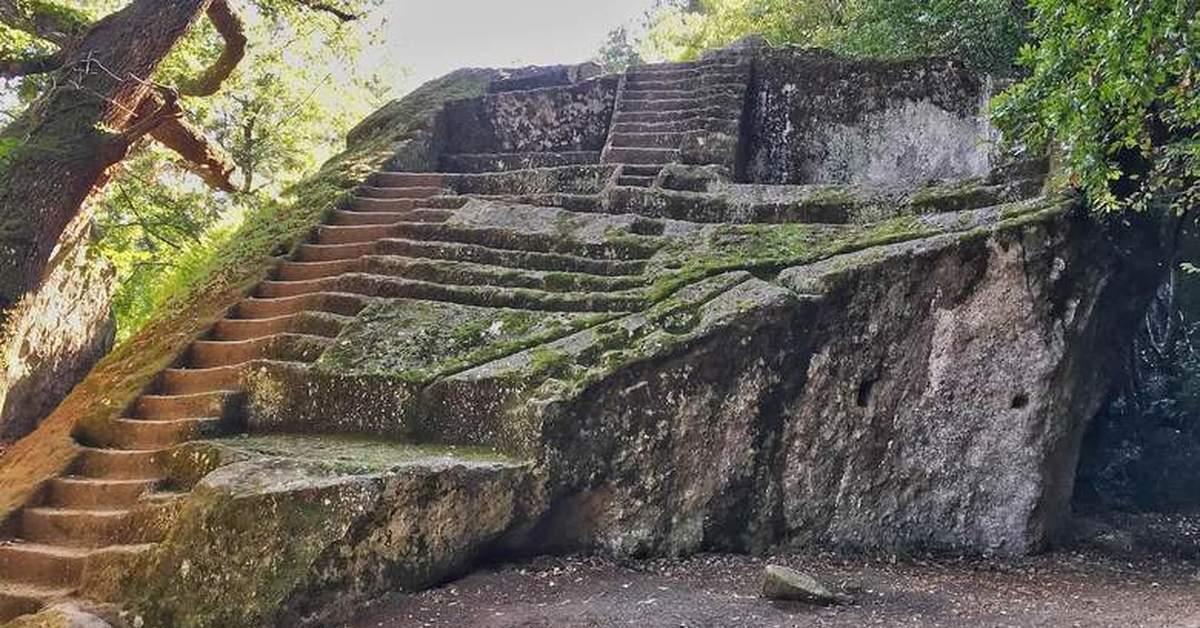Этрусские каменные ступени