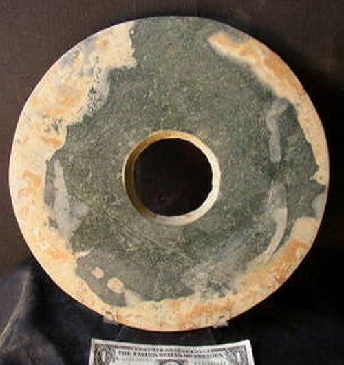 сотни каменных дисков