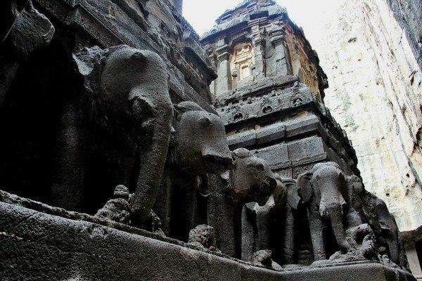 Храм Кайлаш