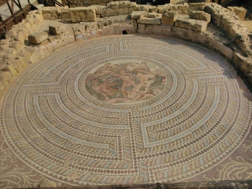 Лабиринт, ставший вдохновением для мифа о Минотавре