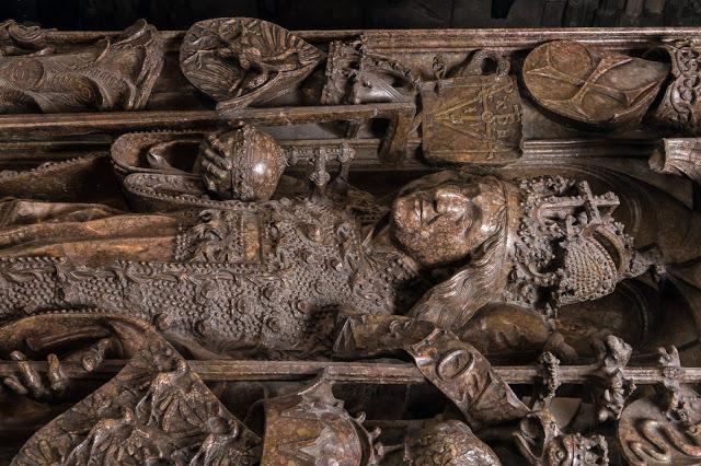 артефакты нетронутой гробницы