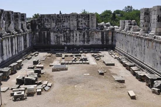 храм Аполлона в мире