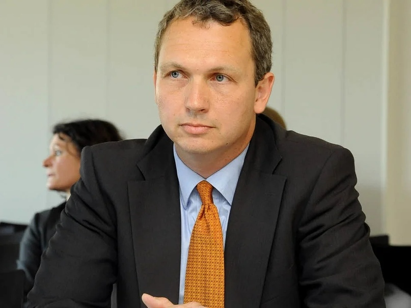 Ян Хендрик Шён в 2012-м году, на судебном заседании высшего апеляционного суда Германии. В ходе этого суда была окончательно подтверждена правомерность лишения его ученой степени доктора философии. Источник: badische-zeitung.de