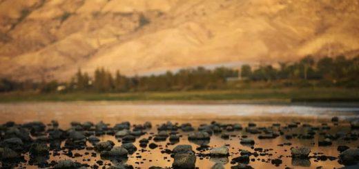 Загадочная пирамида в озере