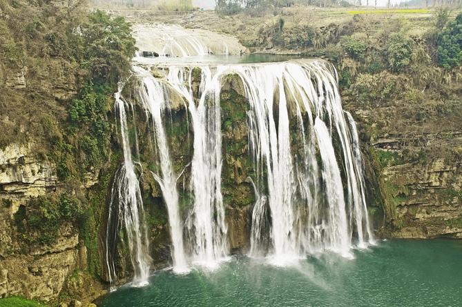 Водопад в провинции Шэньси (Китай)