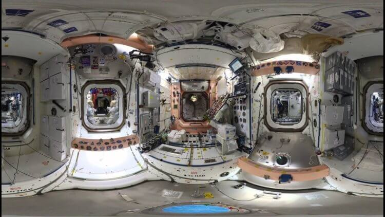 космический отель с искусственной гравитацией