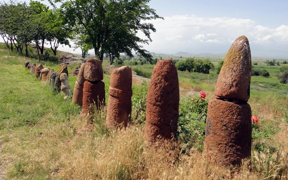 вишапы Армении