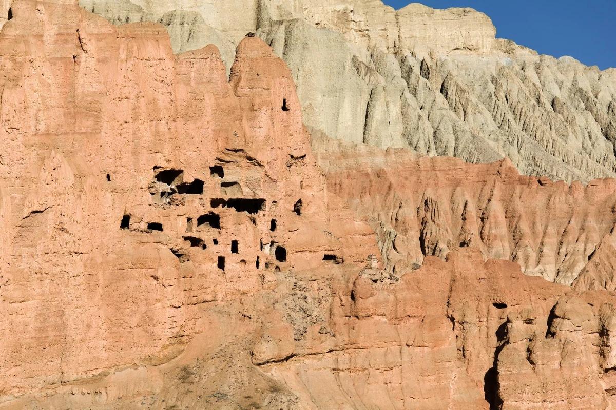 пещеры Непала