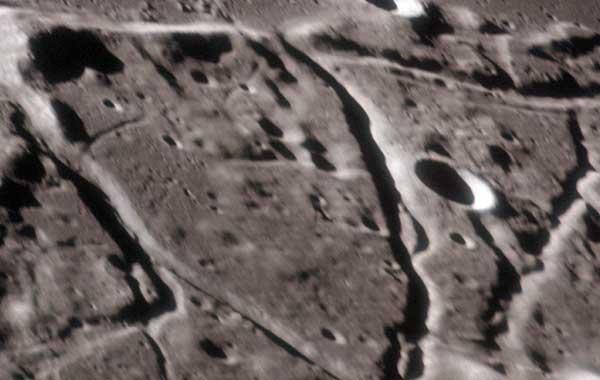 Пирамиды на Луне