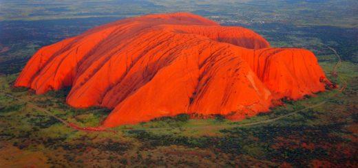 Красная гора Улуру
