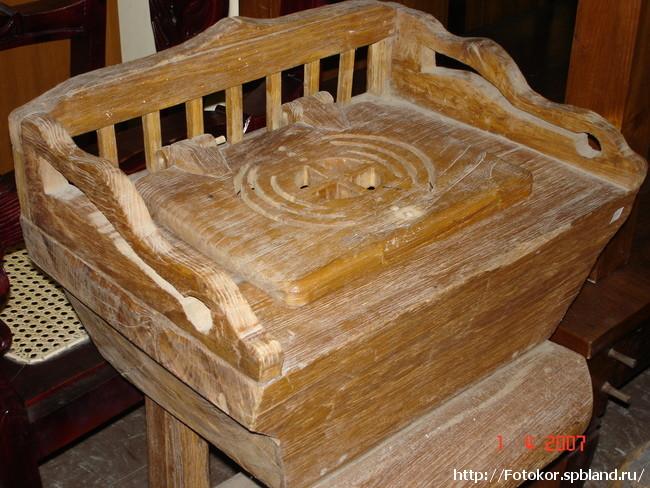 трон-стульчак царицы Шуба