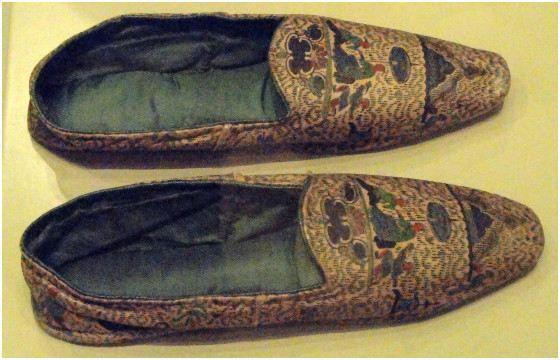 обувь из человеческой кожи